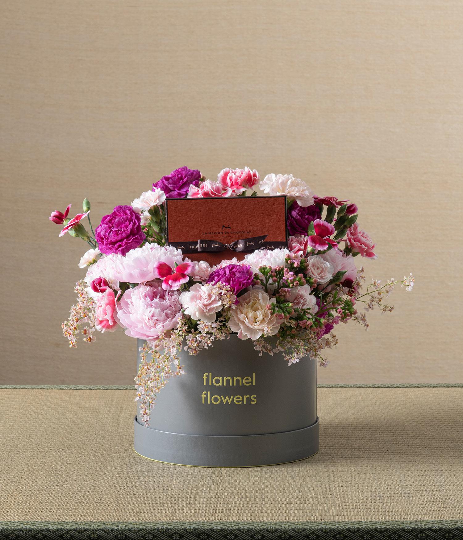 blossom II peony flower box by flannel flowers florist x Maison Du Chocolat