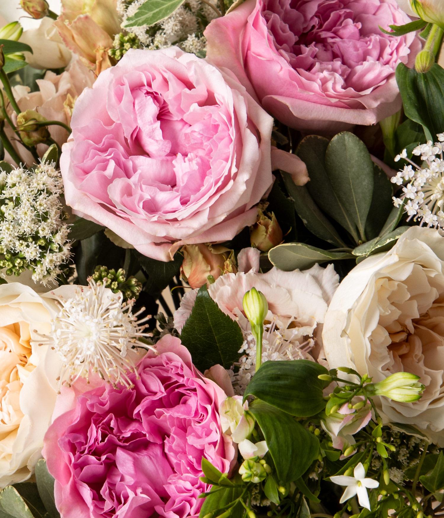 Detail of Garden Rose flower bouquet